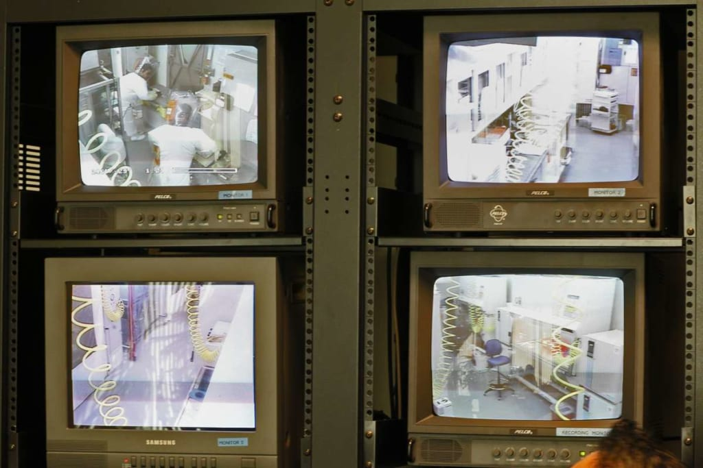 Trung tâm giám sát tại Phòng thí nghiệm An toàn Sinh học Quốc gia Trung Quốc.