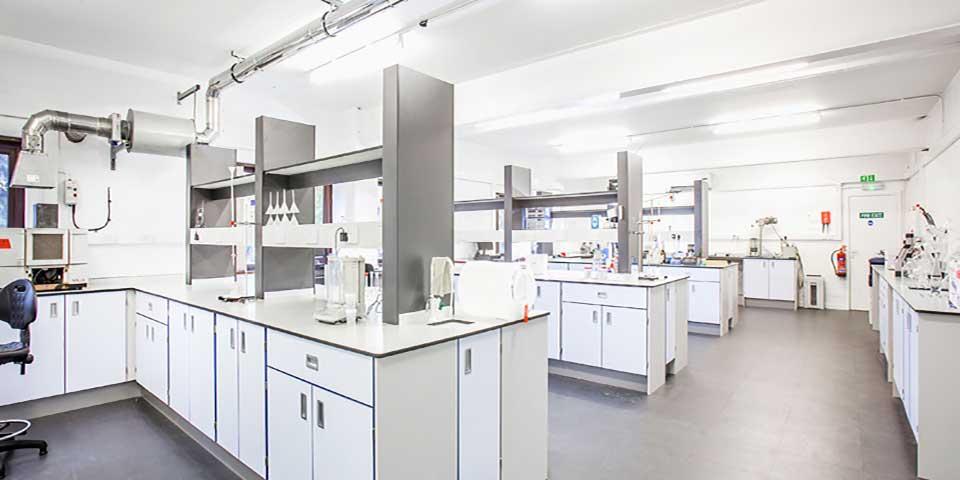 Nội thất phòng thí nghiệm - Laboratory Furniture