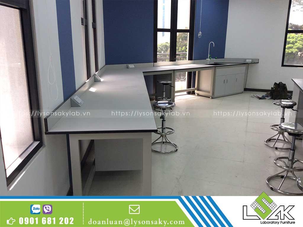 bàn giao nội thất phòng thí nghiệm công ty Lavifood