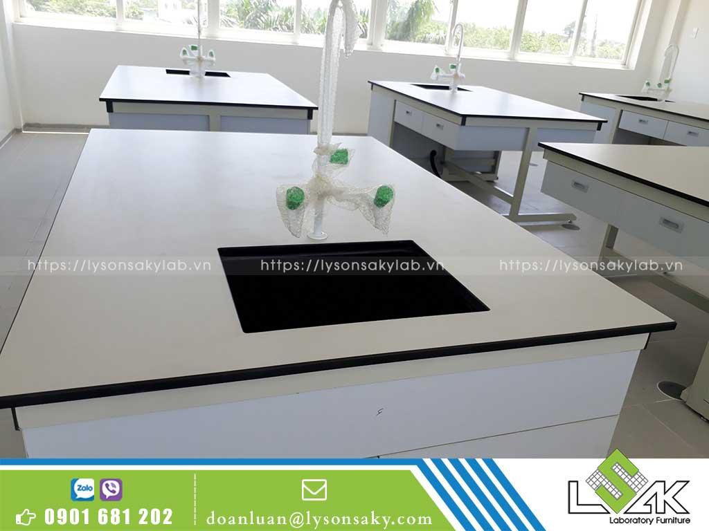 Bàn giao nội thất phòng thí nghiệm cho Trường Liên cấp TTC Tây Ninh