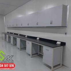 tủ treo tường phòng thí nghiệm