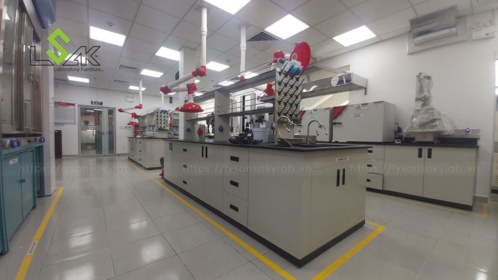 bàn thí nghiệm trung tâm nội thất phòng thí nghiệm hóa lý
