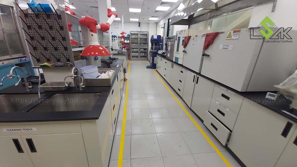 nội thất phòng thí nghiệm hóa lý bằng thép không gỉ