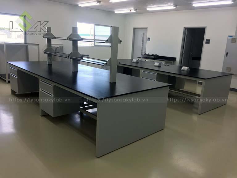 Nội thất phòng lab sản xuất nguyên liệu thực phẩm