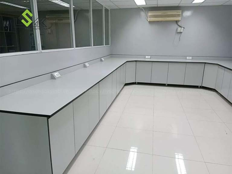 Bàn thí nghiệm áp tường phòng thí nghiệm dược phẩm