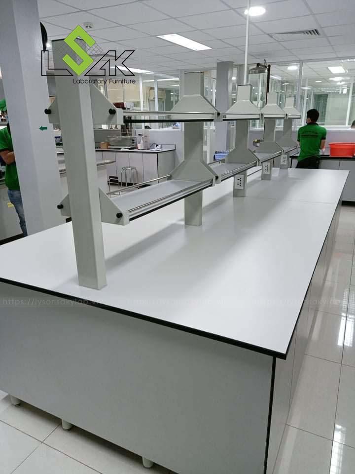 Bàn thí nghiệm trung tâm có kệ phòng thí nghiệm nhà máy dược phẩm