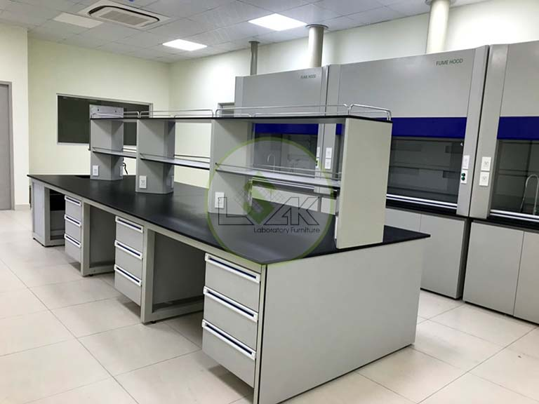 Laboratory central bench with sink, laboratory central bench with sink Suppliers and Manufacturers