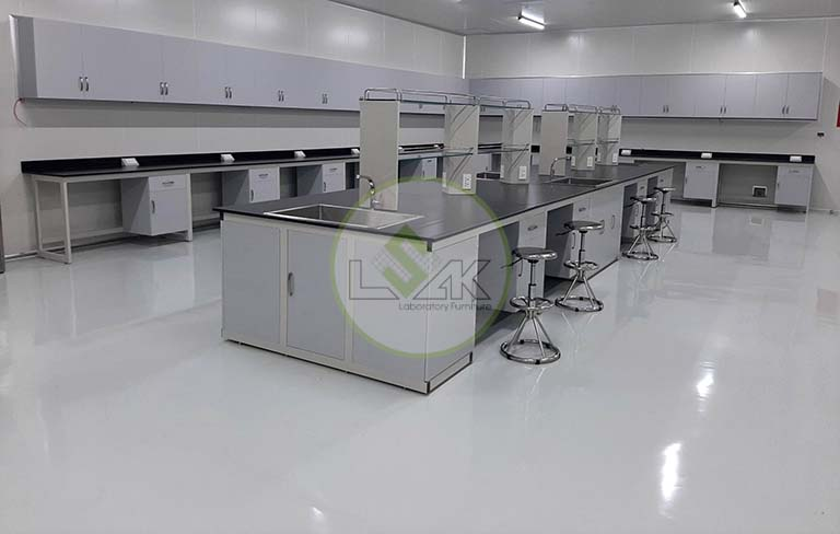 Bàn thí nghiệm trung tâm phòng sạch trang trại bò sữa công nghệ cao Vinamilk
