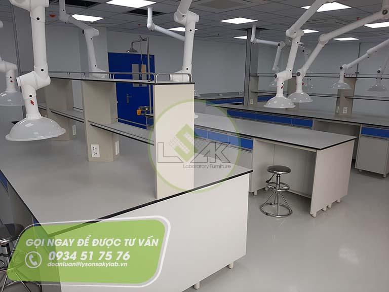 Chụp hút khí di động nhà máy sản xuất sơn Công ty AkzoNobel