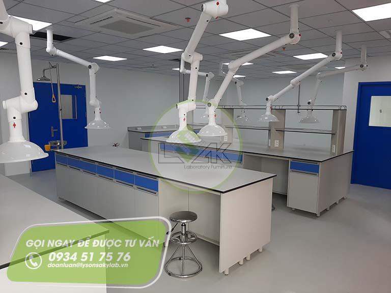 Chụp hút khí di động phòng thí nghiệm nhà máy sản xuất sơn Công ty AkzoNobel