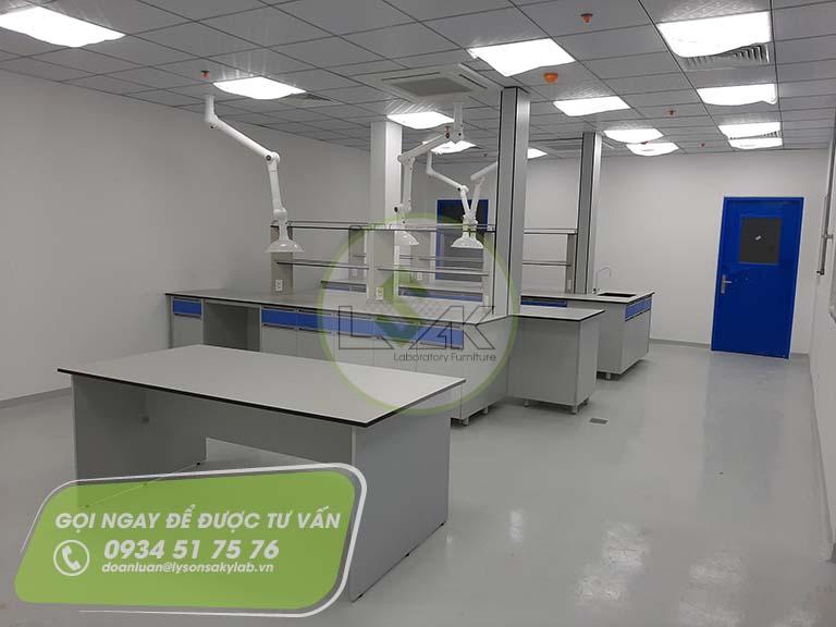 Phòng lab QC nhà máy sản xuất sơn Công ty AkzoNobel