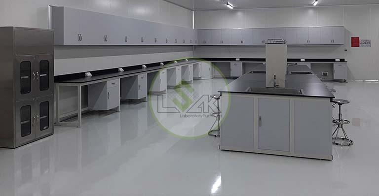 Phòng lab vi sinh trang trại bò sữa công nghệ cao Vinamilk