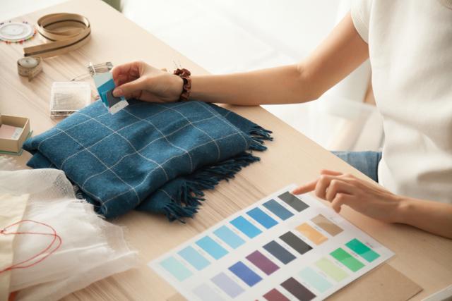 Textile sample color measurement