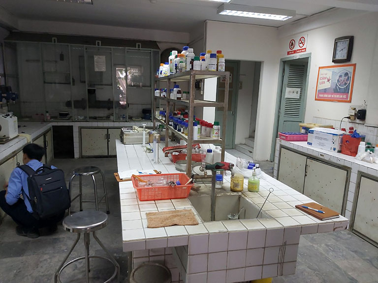 Hình ảnh phòng thí nghiệm chưa được thiết kế