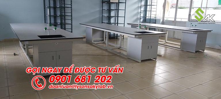 Bàn trung tâm thực hành thí nghiệm nội thất phòng thí nghiệm Trường Đại học Văn Lang