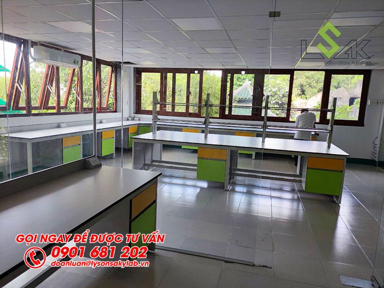 Thi công nội thất phòng lab nghiên cứu và phát triển các giải pháp công nghệ sinh học