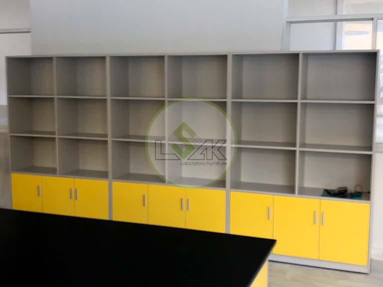 Tủ trưng bày mẫu phòng lab nhà máy sản xuất keo dán Công ty Techbond MFG (Việt Nam)
