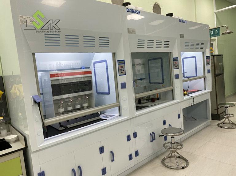Tủ hút khí độc hóa chất lắp đặt tại phòng lab Công Ty Cổ Phần Dầu Thực Vật Tân Bình