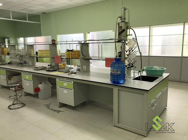 Bàn thí nghiệm trung tâm phòng thí nghiệm công ty cổ phần dầu thực vật Tân Bình