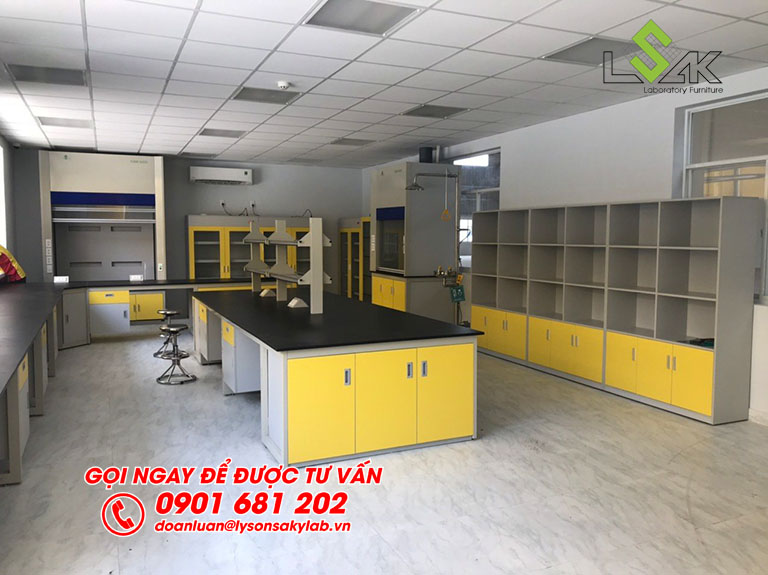 Bàn thí nghiệm trung tâm phòng thí nghiệm nhà máy sản xuất keo dán Công ty Techbond MFG (Việt Nam)